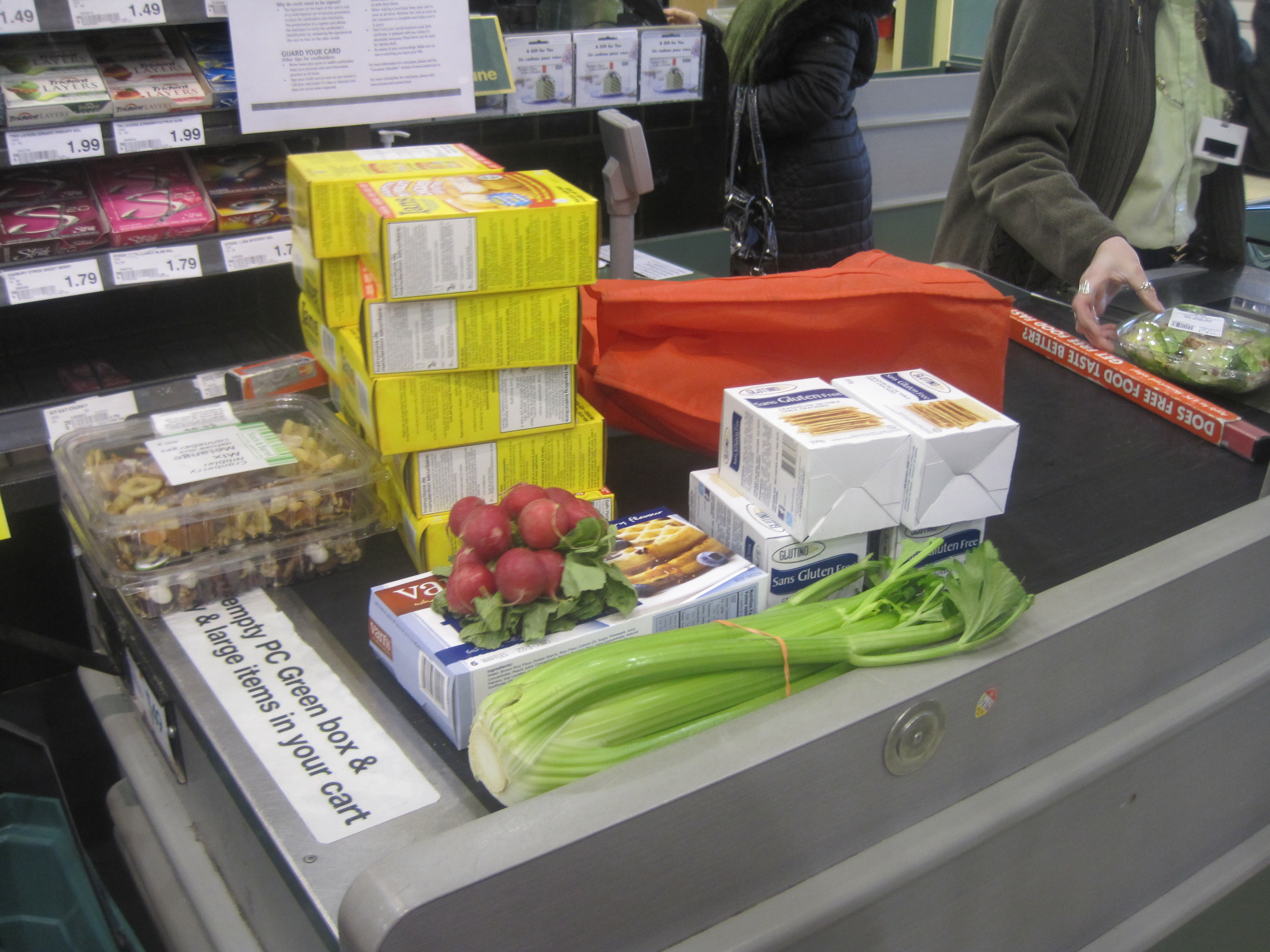 ITEMS VS NUMBERS AT GROCERY CHECKOUT
